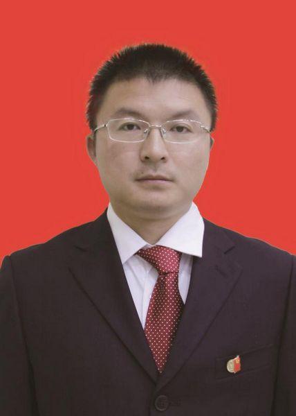 李起(党委委员  副校长)